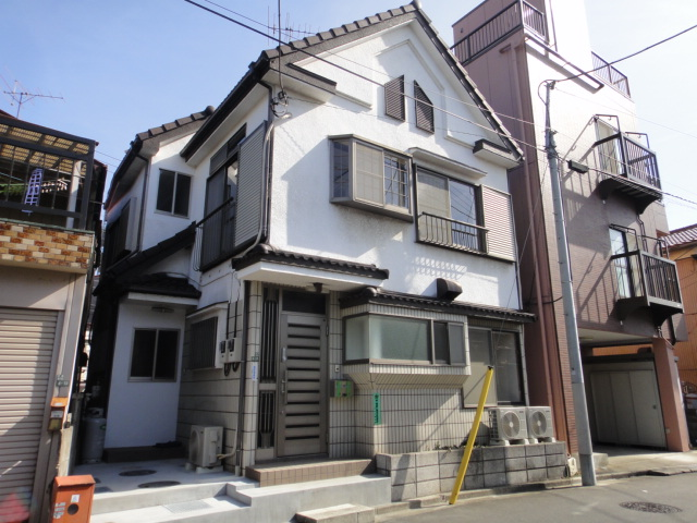isesaki single women Property informations tokyo east area brand new house for only woman has been opened all rooms are single room type.